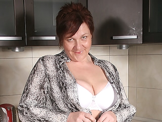 big ass Big Breasted Mature Slut Playing In Her Kitchen - MatureNL big tits