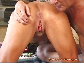 amateur Is YOUR Granny like US blowjob